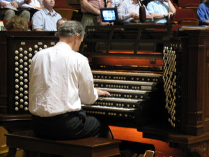 Richard Elliott at the organ