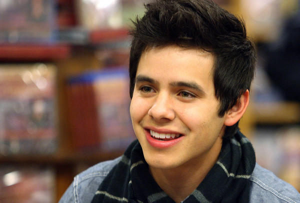 2000 LDS Returned Missionaries to Perform with David Archuleta in Latino Event