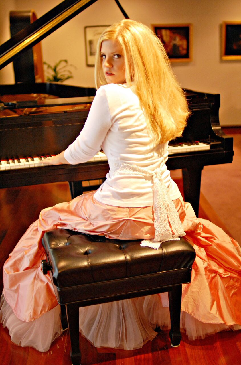 Jennifer Thomas Playing Piano