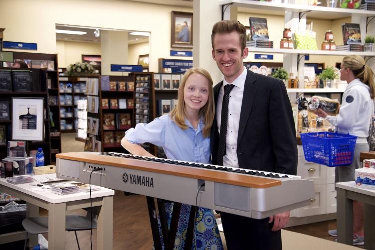 Sara Arkell and Jason Lyle Black