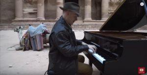 John Schmidt in Petra Jordan