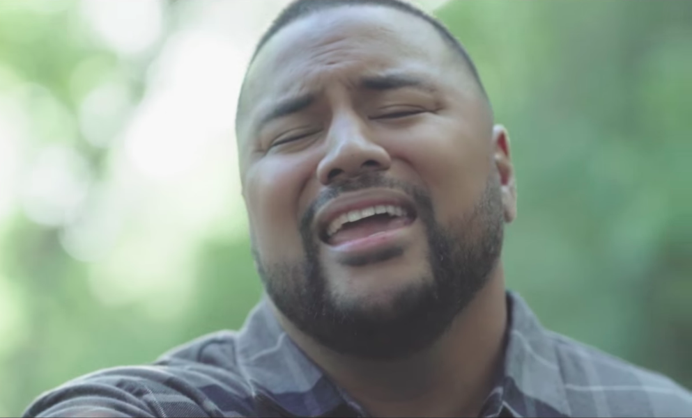 Polynesian Singer Creates Heartfelt Music Video about Family