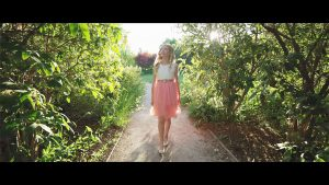 Lyza Bull - Teach Me to Walk