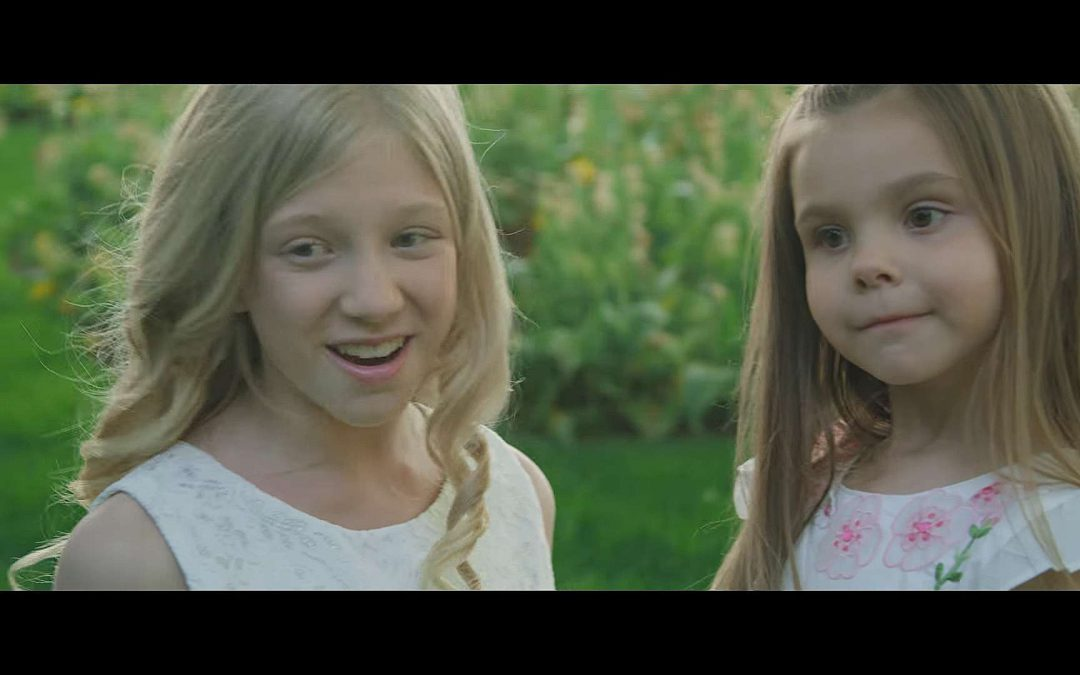 Lyza and Evelyn Grace Bull Sing Two of Their Favorite Hymns about the Savior