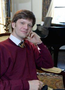 Arsentiy Kharitonov