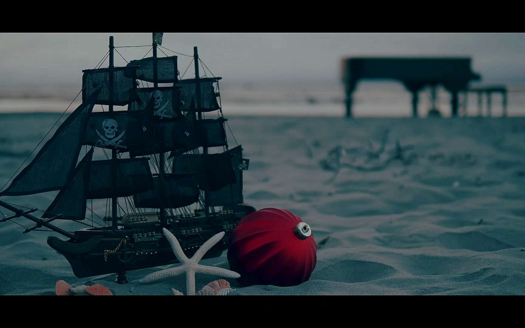 "Jennifer Thomas' Pirate Version of ""I Saw Three Ships"""