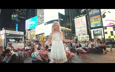 "Lyza Bull Sings ""Stand in the Light"" in the Heart of New York City"