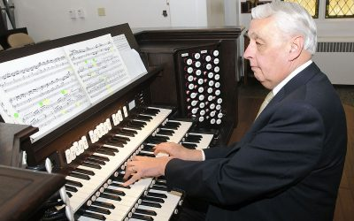 Mormon Tabernacle Choir Organist, Clay Christiansen, to Retire After 36 Years of Dedicated Service