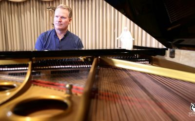 Garth Smith Provides A Memorable Music Experience for Deaf Member