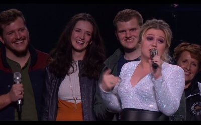 The LeBaron Family Performs Les Misérables Medley at Kelly Clarkson Concert