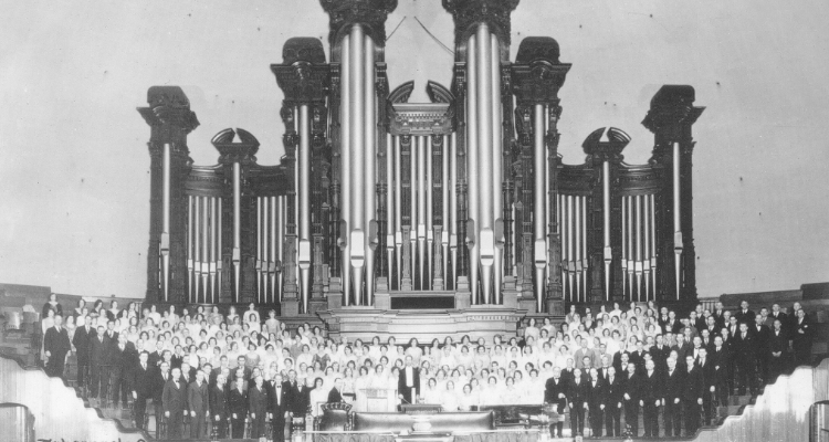 1929 Picture of the Tabernacle Choir at Temple Square